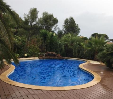 Bâche de couverture solaire pour garder chaleur piscine, sur mesure, efficacité rayons solaires et même après pluie top3