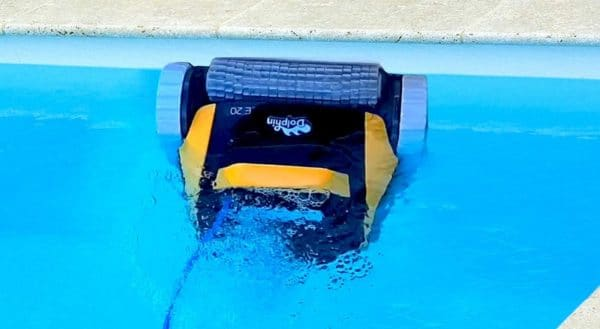 Robot piscine DOLPHIN Maytronics e20 paroi