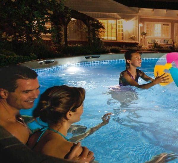 Lumière paroi piscine magnétique INTEX 56688 nuit